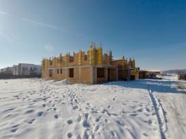 Casa qvadruplex 4 camere + teren 70 mp - Zavoi