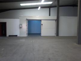 Inchiriez hala cu camera frigo zona Industriala UTA - 15041