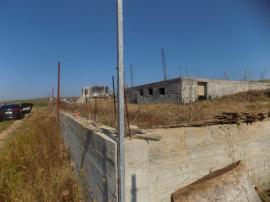 Teren 1200 mp cu fundatie, Cetariu, utilitati