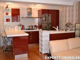 INEL I, in bloc nou - 3 camere decomandate confort maxim