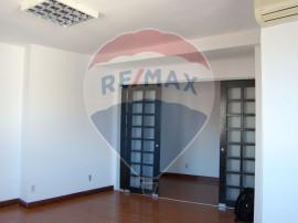 Apartament cu 3 camere ,Piata Romana