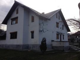 Vila si teren situate in Com. Tatarani, Jud. Dambovita