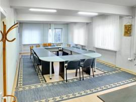 Coldwell Banker Alpin: Cladire birouri Hotel Clinica medi...
