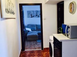 Privat. Apartament 3 Camere Mobilat/Electrocaznice