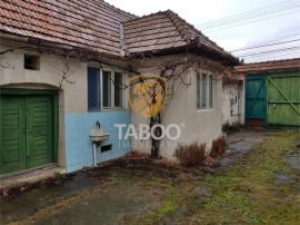 Casa cu 2 camere de in Sebes zona foarte buna