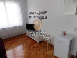 Apartament pretabil pentru regim hotelier cu 2 camere in Ora
