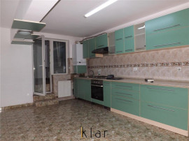 Apartament cu 4 camere suprafata utila 110 mp Intre Lacuri