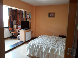 Palas- apartament 3 camere, complet mobilat și utilat
