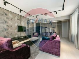Apartament cu 3 camere de închiriat în zona Dacia