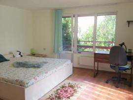 Casa cu 3 camere decomandate, in zona UMF