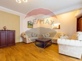 Apartament cu 4 camere de vânzare în zona Cismigiu