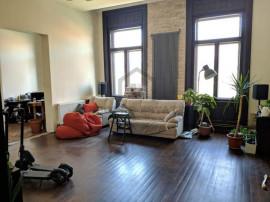 Apartament cu patru camere, zona Ultracentrala