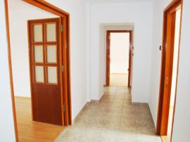 Apartament 5 camere exclusiv pentru firme Piata Victoriei