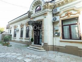 Piata Romana/ASE,Vila individuala,9 camere,terasa si curte
