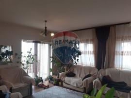 Casă / Vilă cu 4 camere de vânzare în zona Andrei Mur...