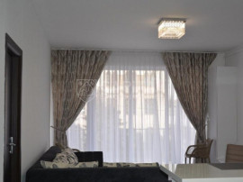 Închiriere apartament cu 2 camere semidecomandat, zona Semi