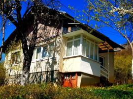Casa in Cornu, zona superba de munte,teren generos 1151 mp !