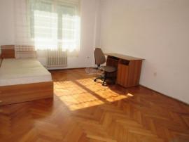 Apartament la etaj intermediar, zona Transylvania College