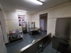Închiriez spațiu : cofetarie / patiserie / catering Central