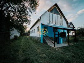 De casa de locuit in Voslabeni
