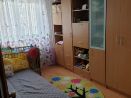Apartament 4 camere URA