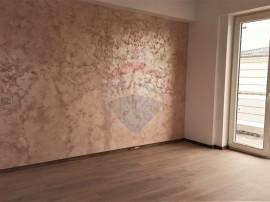 Apartament de vanzare 3 camere,Prelungirea Ghencea