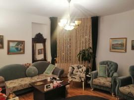 Apartament cu 5 camere 117 mp in zona Universitate - Arme...