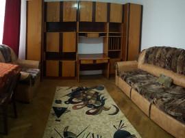 Apartament doua camere, central, etaj doi, mobilat, liber