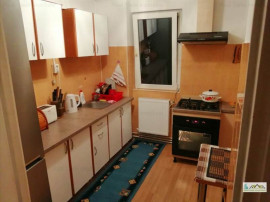 Apartament 3 camere renovat Astra-Planete 108U6