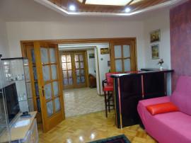 Particular, Apartament 4 cam (Piata Unirii), lux, renovat