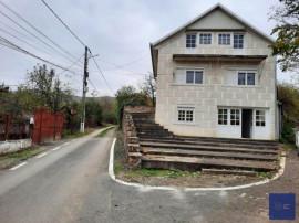 Vila finalizata in anul 2003, P+E+M, Ghioroc-Valea Domneasca