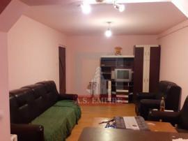 Apartament 3 camere 2 bai decomandat - zona Centrul Civic