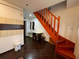 Apartament 1 camera cu scara interioara, Podu Ros,