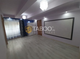 Apartament spatios cu 3 camere si curte 46 mp zona Centrala
