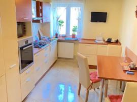 Apartament 3 camere zona Vlaicu-Lebada, etaj 1