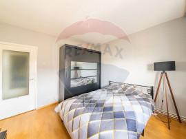 Apartament cu 4 camere de vânzare în zona Micalaca