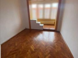 Apartament 3 camere zona Garii, etaj intermediar, 92.000€