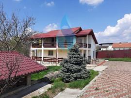 Vila eleganta cu 1670mp teren,Barnova.