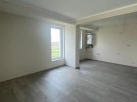 Giroc, Apartament 3 camere, 2 bai