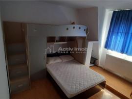 Apartament de inchiriat 3 camere semidecomandat