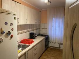 Apartament 3 camere Scriitorilor, decomandat, etaj 3,84.000€