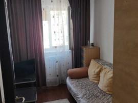 Apartament 3 camere Astra, decomandat, etajul 3, renovat