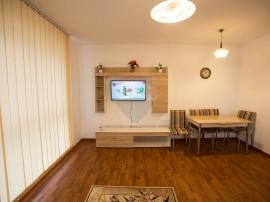 Apartament spatios cu 2 camere decomandat