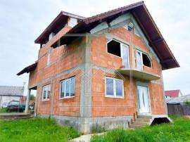 Casa individuala 5 camere - 140 mp utili, 500 mp teren - Sur