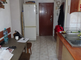 Apartament cu 3 camere decomandat Deva, zona Balcescu, 70 mp