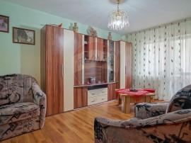 Apartament cu 3 camere de vânzare în zona Judetean