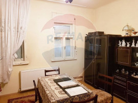 Casa 3 camere de vanzare zona Biserica Sarbeasca, central...