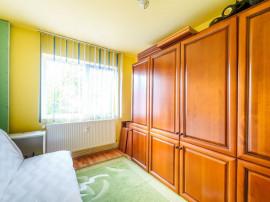 Apartament cu 3 camere, zona Vlaicu