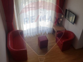 Apartament Penthouse cu 4 camere de închiriat în zona N...