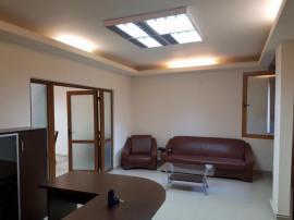 Universitate inchiriere spatiu de birouri 5 camere